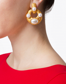 Kenneth Jay Lane - Pearl Encrusted Gold Doorknocker Clip On Earring