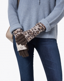 Kinross - Brown Animal Print Cashmere Knit Glove