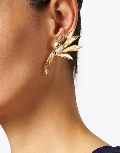 Oscar de la Renta - Light Peach Crystal Encrusted and Pearl Bird Earrings