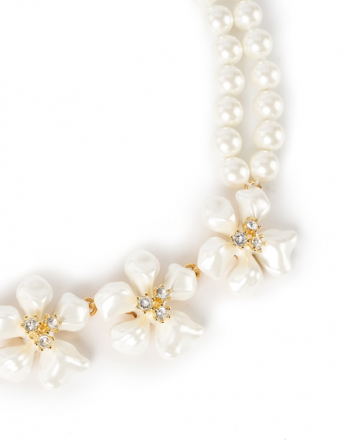 Kenneth Jay Lane - White Flower and Crystal Flowers Pearl Necklace